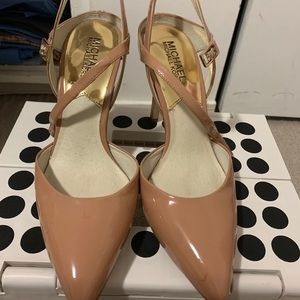Pre-loved Michael Kors shoes. 4 inches heels.